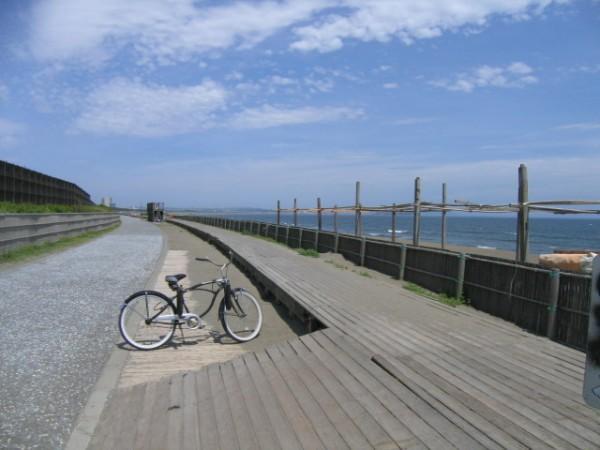 天気のいい日にはちょっとお散歩。海風も感じられる心地よさ。